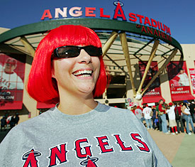 Angels_fan_275
